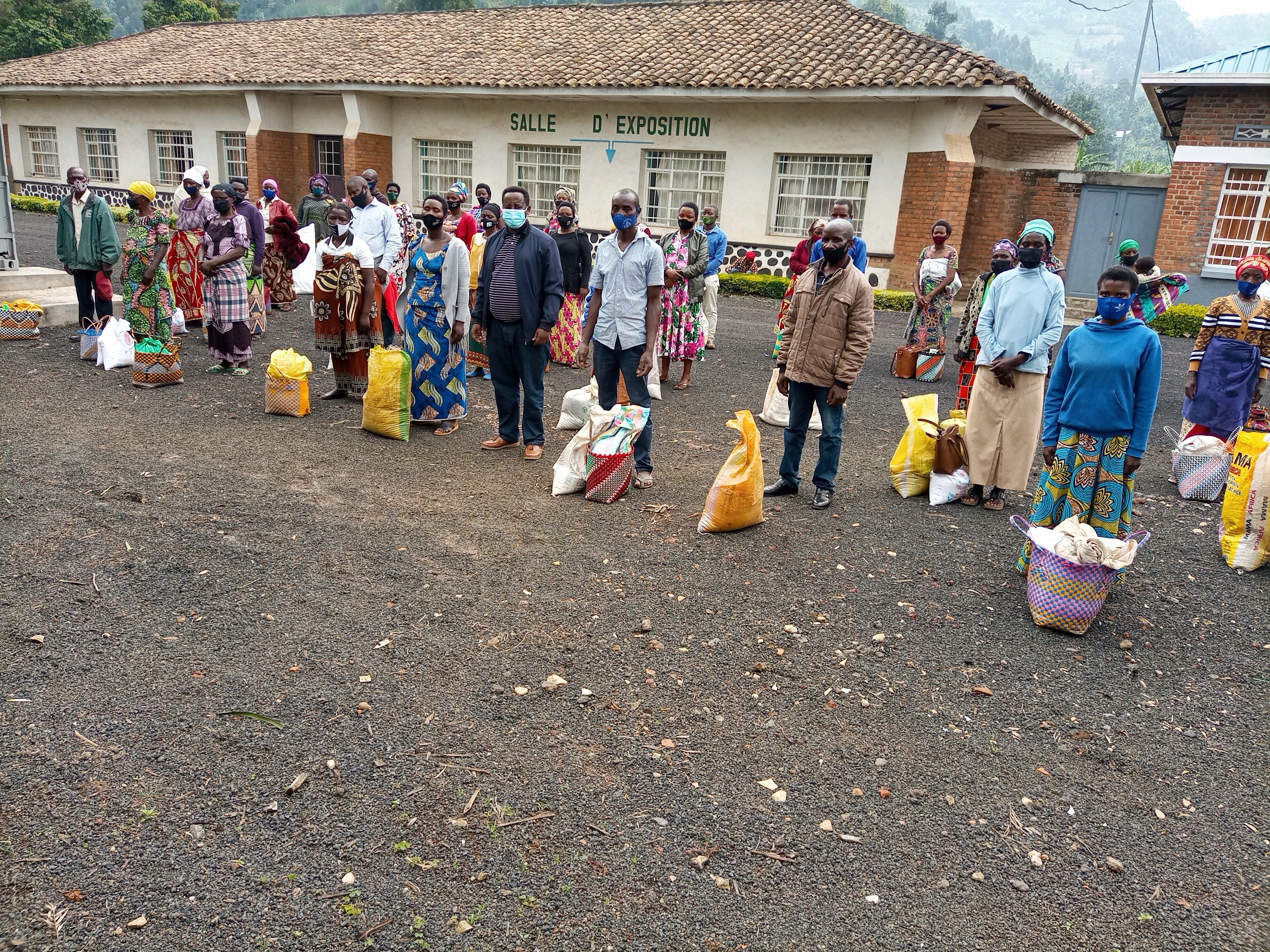 Hilfe für 100 Familien